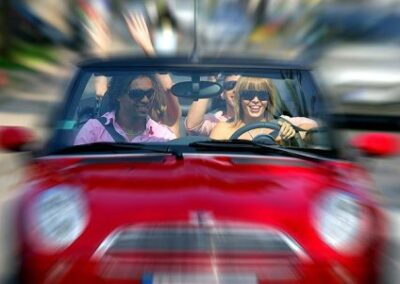 Accident risk and behavioural patterns of younger drivers