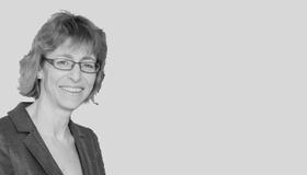 Dr Sue Sharland